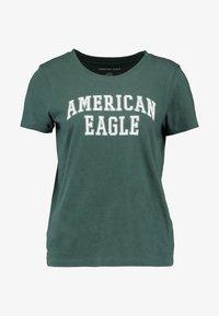 American Eagle - CLASSIC TEE - Triko spotiskem - green - 3