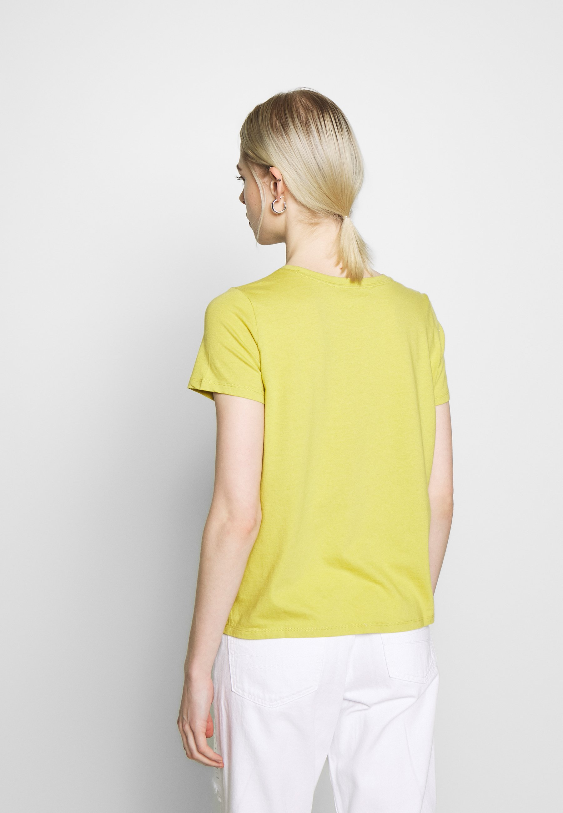 American Eagle BRANDED HOT STORE TEE - T-shirts med print - yellow