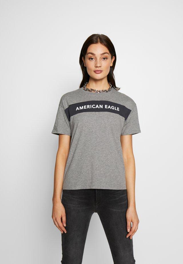 BRANDED SEAMED SANTA MONICA TEE - T-shirt z nadrukiem - gray