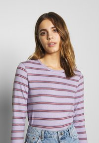 American Eagle - CREW TEE PLUSH - Topper langermet - lively lilac - 3