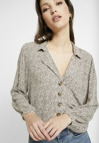 American Eagle - CROP LAPEL - Button-down blouse - tan - 4