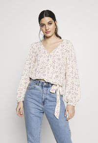 American Eagle - BLOUSON WRAP - Blouse - cream - 0