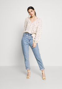 American Eagle - BLOUSON WRAP - Blouse - cream - 1
