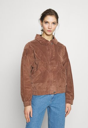 CURVED YOKE - Summer jacket - brown