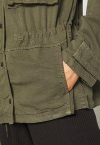 American Eagle - SAFARI JACKET - Lett jakke - olive - 5