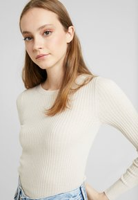 American Eagle - BODYCON - Jumper - cream - 5