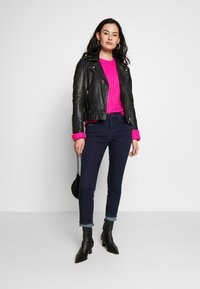American Eagle - SLOUCHY CROPPED CABLE - Sweter - pink - 1