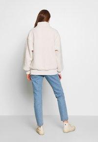 American Eagle - SHERPA QUARTER - Sweatshirt - cream - 2