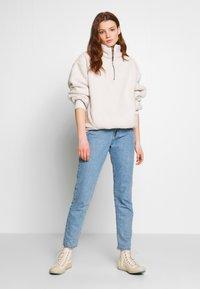 American Eagle - SHERPA QUARTER - Sweatshirt - cream - 1