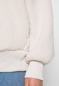 American Eagle - SHERPA QUARTER - Sweatshirt - cream - 5