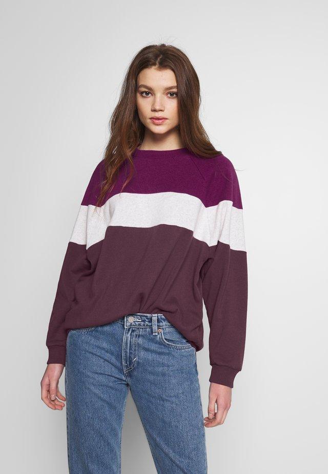 CREW - Sweatshirt - berry
