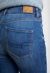 American Eagle - CURVY HI RISE - Jeans Skinny - fresh bright - 4