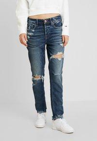 American Eagle - MEDIUM DESTROY TOMGIRL - Jeans slim fit - vintage star - 0