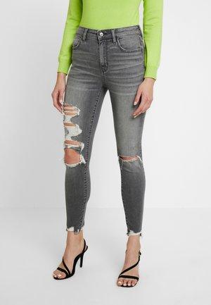 SUPER HI RISE - Jeans Skinny - lightning grey