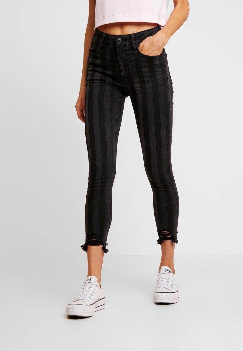 American Eagle - SUPER HI-RISE CROP - Jeans Skinny Fit - black