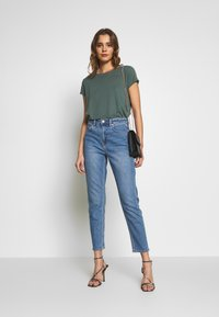 American Eagle - MOM - Jeans slim fit - faded indigo - 1