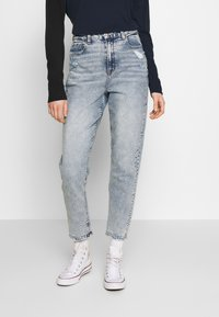 American Eagle - CURVY MOM - Slim fit jeans - blue denim - 0