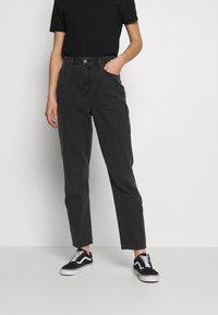 American Eagle - CURVY MOM - Slim fit jeans - rocker black - 0