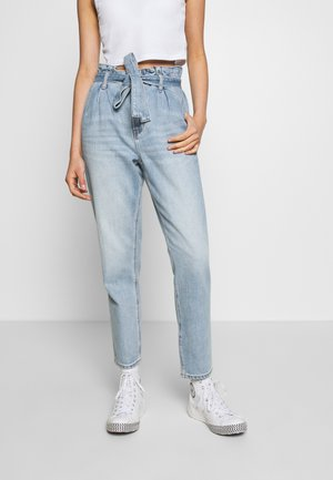 HIGHEST RISE MOM - Straight leg jeans - blue heaven