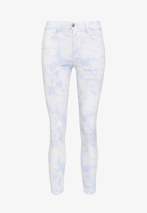 SUPER HIGH RISE CROP - Skinny džíny - washed blue
