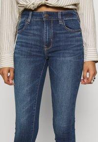American Eagle - HIGH RISE CROP - Jeans Skinny Fit - medium wash - 4