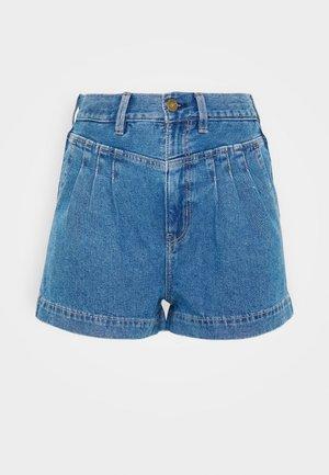 HIGHEST RISE MOM - Shorts di jeans - blue denim