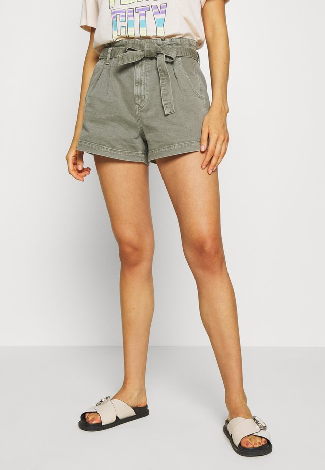 PAPER BAG MOM - Shorts - olive