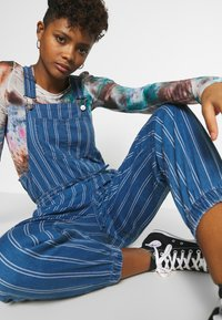 American Eagle - OVERALL SCARY STRIPE - Tuinbroek - blue - 4