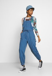 American Eagle - OVERALL SCARY STRIPE - Tuinbroek - blue - 1