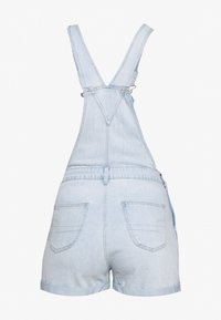 American Eagle - PLEATED MOM SHORTALL - Lacláče - blue daylight