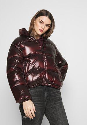 SHINY PUFFER JACKET - Zimní bunda - maroon