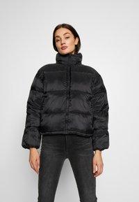 American Eagle - NOVELTY PUFFER JACKET - Zimní bunda - true black - 0