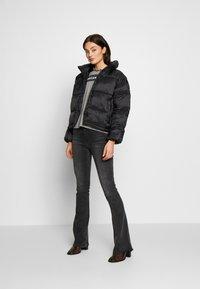 American Eagle - NOVELTY PUFFER JACKET - Zimní bunda - true black - 1