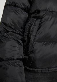 American Eagle - NOVELTY PUFFER JACKET - Zimní bunda - true black - 6