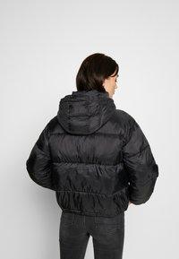 American Eagle - NOVELTY PUFFER JACKET - Zimní bunda - true black - 3