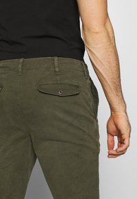 American Eagle - Chinos - olive - 5
