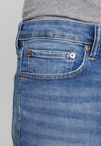 American Eagle - ORIGINAL DARK WASH - Džíny Straight Fit - medium bright indigo - 5