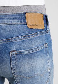 American Eagle - ORIGINAL DARK WASH - Džíny Straight Fit - medium bright indigo - 3