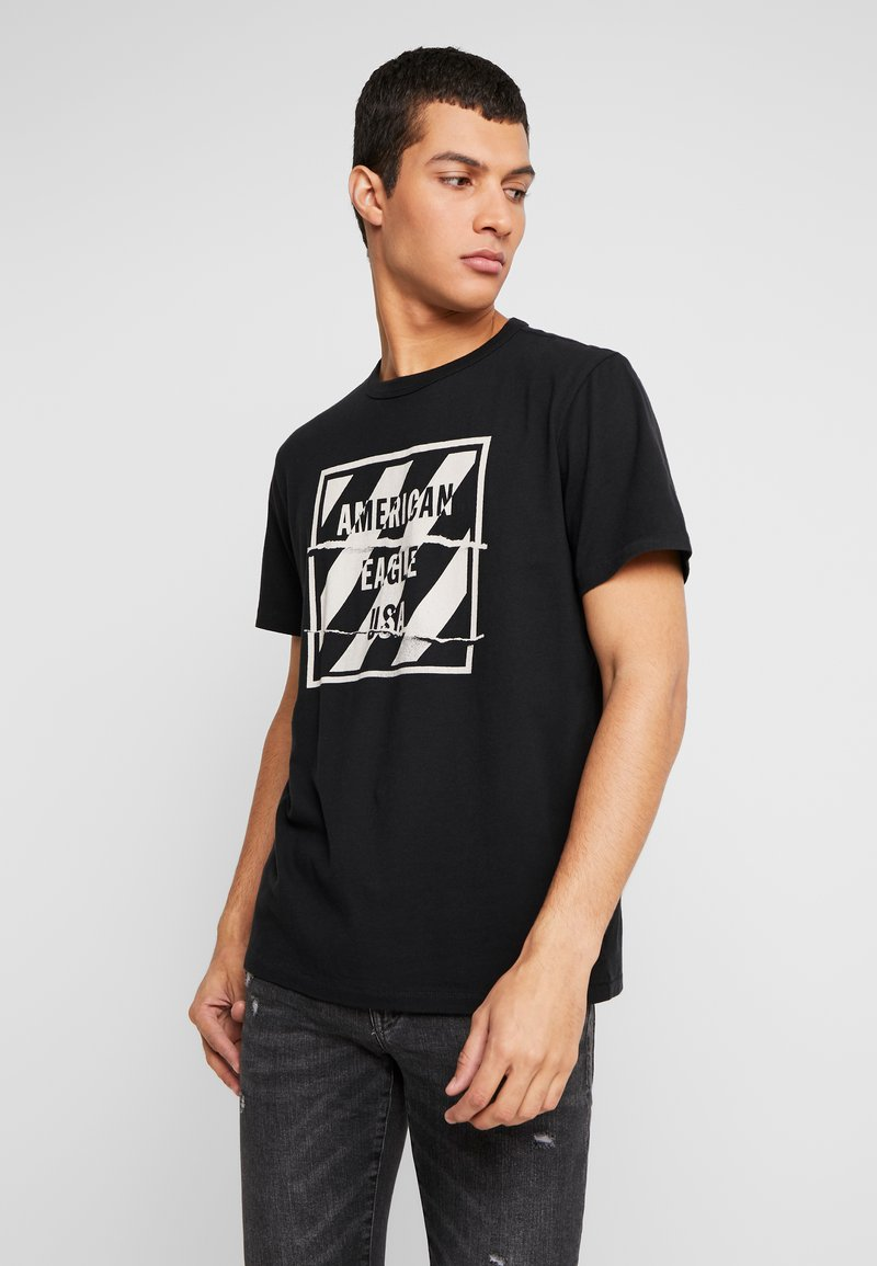 American Eagle - SET IN TEE BOUND NECK - T-shirt con stampa - bold black