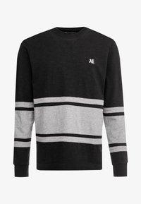 bold black/medium grey