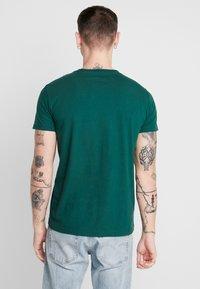 American Eagle - SET IN TEE  - T-shirt imprimé - batalia green - 2