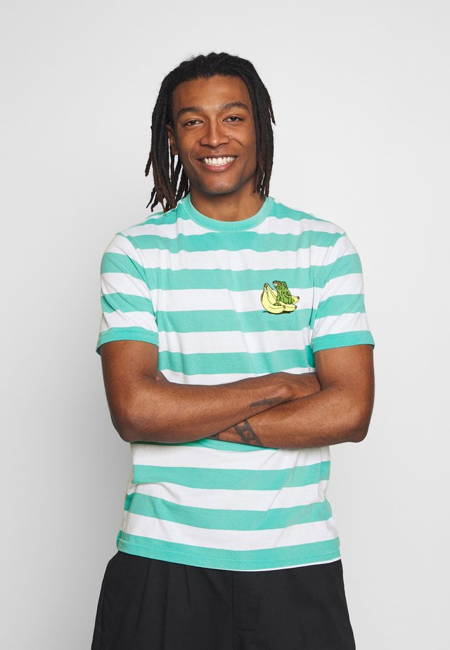 PRINTED CHEST STRIPE - Print T-shirt - turquoise