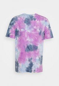 American Eagle - UNISEX SET IN TEE TIE DYE - Print T-shirt - blue mist - 1