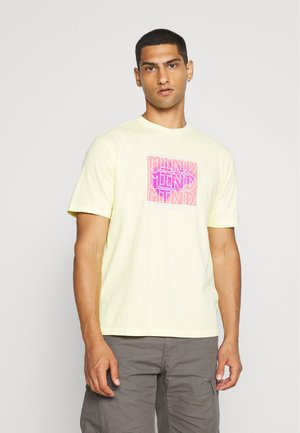 UNISEX  SET IN TEE - Print T-shirt - yellow notes