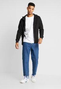 American Eagle - ZIP THRU HOODED - veste en sweat zippée - black - 1