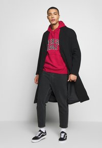 American Eagle - ICON POPOVER HOODIE - Hoodie - bright red - 1