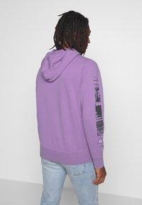 American Eagle - ACID WASH  - Bluza z kapturem - purple - 2