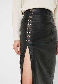 Alice McCall - SWEET MIDI SKIRT - Pouzdrová sukně - black - 4
