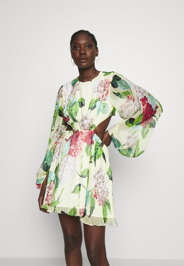 WILD FRONTIERS MINI DRESS - Sukienka letnia - lemon
