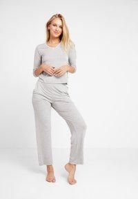 AMOSTYLE - LIGHTWEIGHT - Pyjama top - grey combination - 1